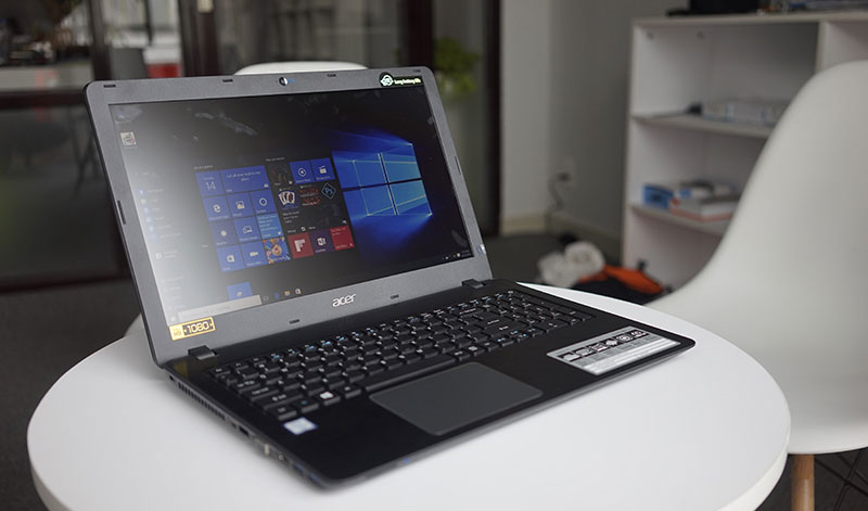 Laptop Acer Aspire ES1-132-C6U8