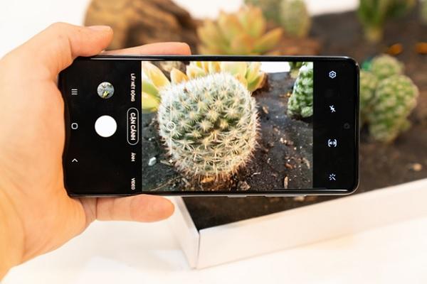 Giá bán Samsung Galaxy A51 (1)