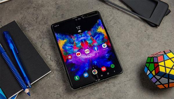 Galaxy Fold hội tụ đầy đủ những yếu tố của màn hình điện thoại hiển thị tốt nhất hiện nay