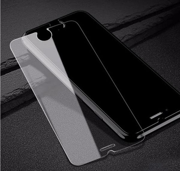 Gỡ bỏ lớp dán bảo vệ màn hình khi thiết bị gặp lỗi cảm ứng